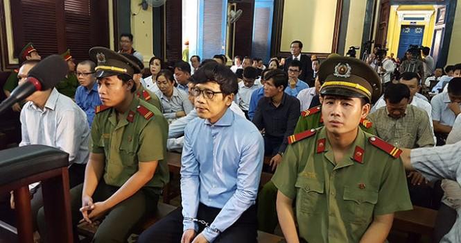"""Phan Thành Mai """"sốc"""" khi về làm """"sếp"""" ngân hàng âm vốn 2.800 tỷ"""