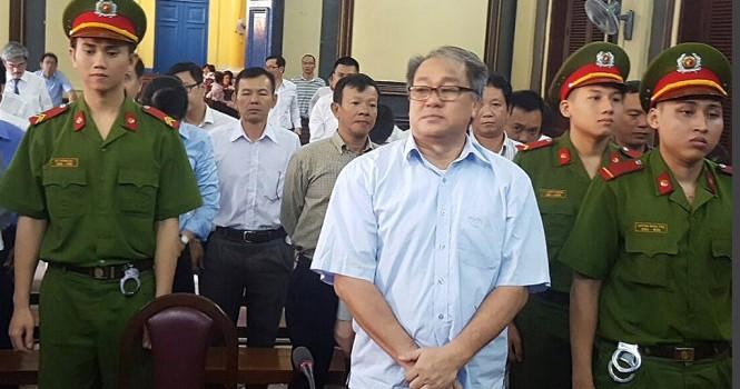Đại án 9000 tỷ: Cựu chủ tịch VNCB và Trang Phố Núi có quan hệ gì?