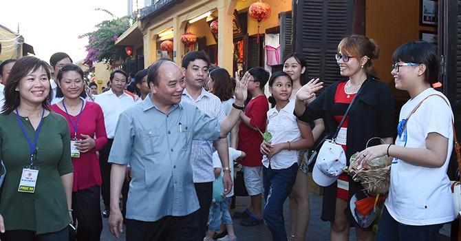 Thủ tướng khen Hội An không có tình trạng chèo kéo khách du lịch