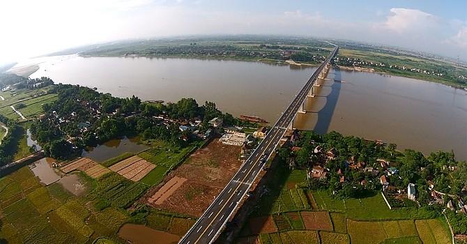 """Doanh nghiệp """"giúp"""" Hà Nội lập quy hoạch dọc hai bên sông Hồng"""