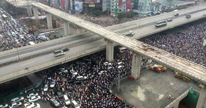Đề xuất thu phí ô tô vào giờ cao điểm ở Hà Nội