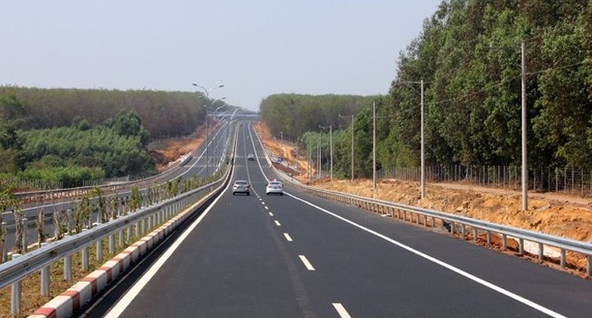 Lấy đâu 230.000 tỷ xây đường bộ cao tốc Bắc - Nam?