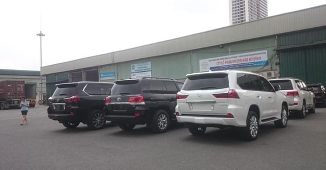 Truy thu gần 1.000 tỷ tiền thuế ô tô nhập khẩu diện quà biếu, tặng