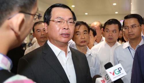 Cách chức Bí thư Ban cán sự Đảng Bộ Công thương với ông Vũ Huy Hoàng