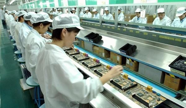 Lao động sang Đài Loan làm việc: Vì sao người Việt phải trả phí cao gấp đôi Philippines, Thái Lan?