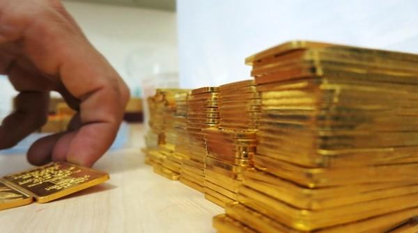 Giá vàng trong nước bất ngờ đảo chiều giảm mạnh