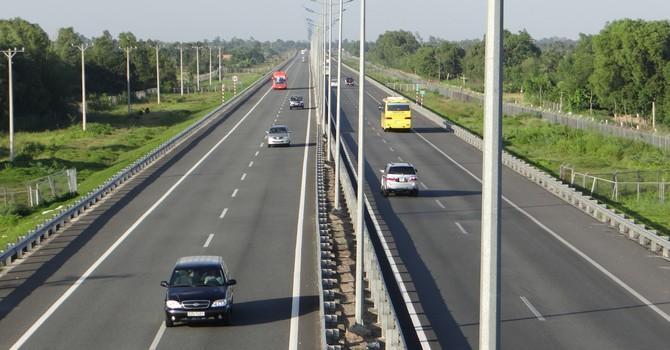 Chỉ đạo nổi bật: Thêm tuyến Hòa Bình - Sơn La vào quy hoạch đường cao tốc