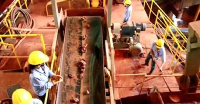 """Bộ trưởng Vũ  Huy Hoàng: """"Khai thác bôxit để sản xuất Alumin, nhôm là đúng đắn"""""""
