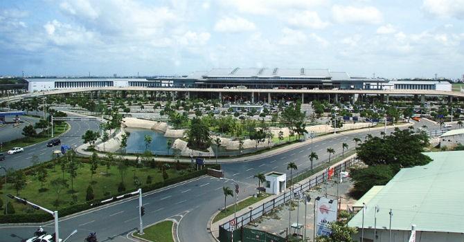 Sân bay Tân Sơn Nhất bị gián đoạn điều hành 18 phút