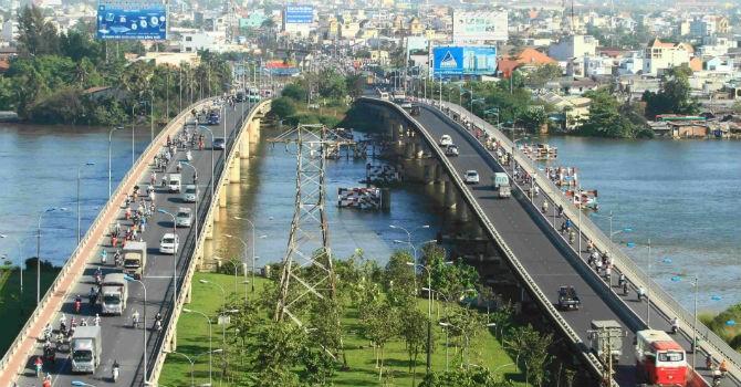 Thống đốc Nguyễn Văn Bình yêu cầu kiểm soát rủi ro tín dụng các dự án giao thông