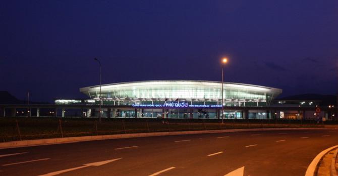 """Doanh nghiệp 24h: """"Ông vua"""" hàng hiệu muốn mua sân bay Phú Quốc"""