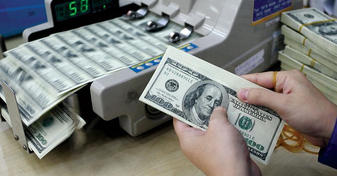 Tỷ giá tăng, doanh nghiệp lo gánh nặng vay nợ USD