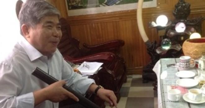 """Đại gia """"điếu cày"""" Lê Thanh Thản thâu tóm khách sạn Phương Đông"""