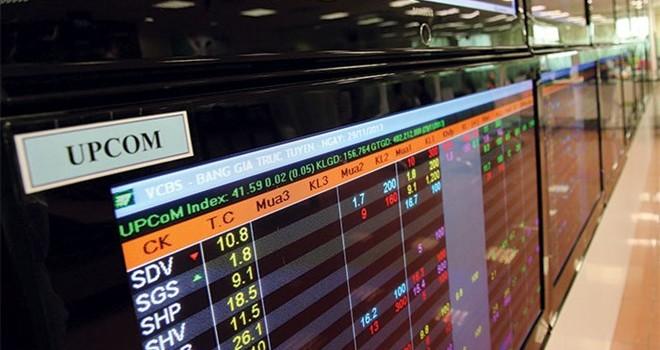 """Điều gì đang diễn ra với """"sóng thần"""" cổ phiếu UPCoM?"""