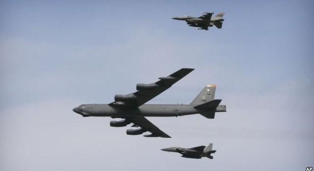 Mỹ điều máy bay pháo đài bay B-52 chống IS