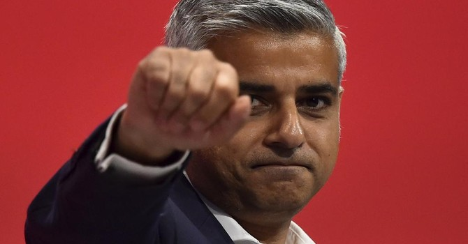 """Báo Pháp: London sắp """"rơi"""" vào tay ứng cử viên theo đạo Hồi"""