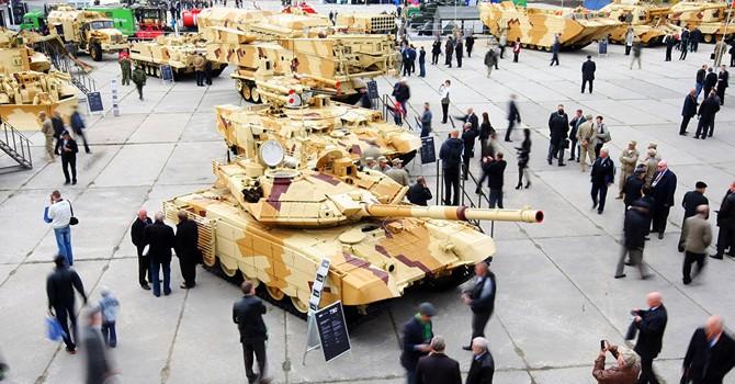"""Ngoài siêu tăng Armata, NATO phải """"sợ"""" vũ khí nào của Nga?"""