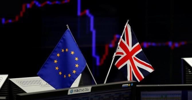 """Hậu Brexit: Giới tài chính thế giới """"ngồi trên lửa"""""""
