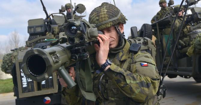 """""""NATO đang chơi trò nguy hiểm ở các nước vùng Baltic"""""""