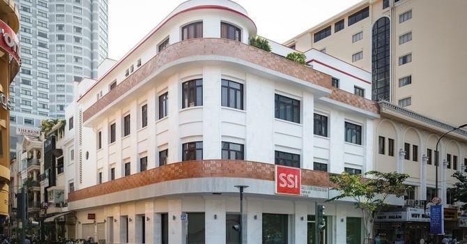 Số 1 môi giới chứng khoán, công ty mẹ SSI vẫn hụt lợi nhuận vì lãi vay