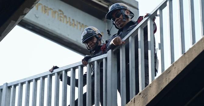 Loạt vụ nổ rung chuyển khu du lịch miền nam Thái Lan