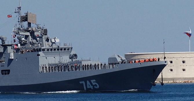 Hàng loạt tàu chiến Nga tiến ra Biển Đen và Biển Caspi