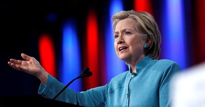Bà Clinton bị sốc vì lời Trump nói về Putin và Obama