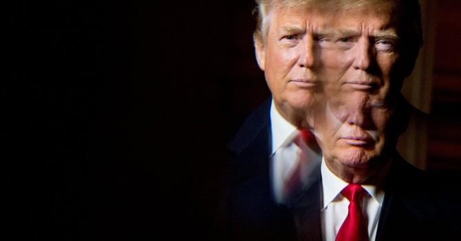"""Ông Trump áp dụng """"chiến lược"""" tránh bình luận về sức khỏe bà Clinton"""