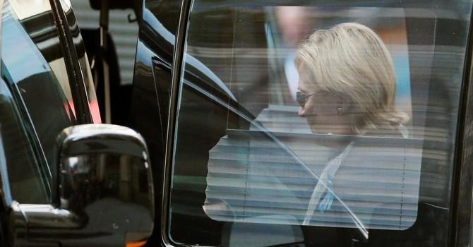 Bầu cử Mỹ: Hillary Clinton tạm dừng vận động tranh cử vì sức khỏe