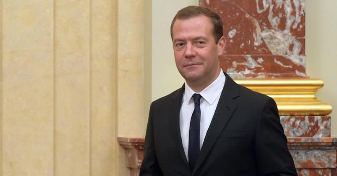 Ông Medvedev tuyên bố Nga không thể cho phép mình sống trong nợ nần