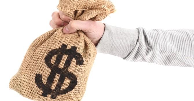 [BizDEAL] Ai đã chi 9.000 tỷ mua 48,3 triệu cổ phiếu Vinamilk từ SCIC?