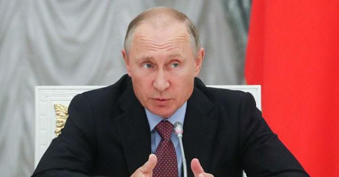 Ông Putin lo ngại người máy thông minh sẽ chống lại loài người
