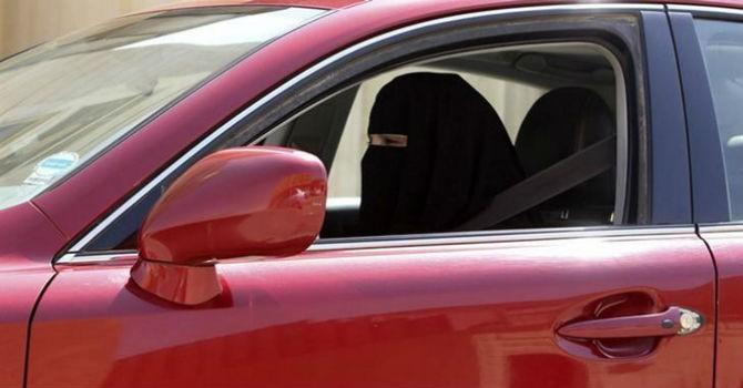 Ả Rập Xê Út lần đầu tiên cho phép phụ nữ lái xe hơi