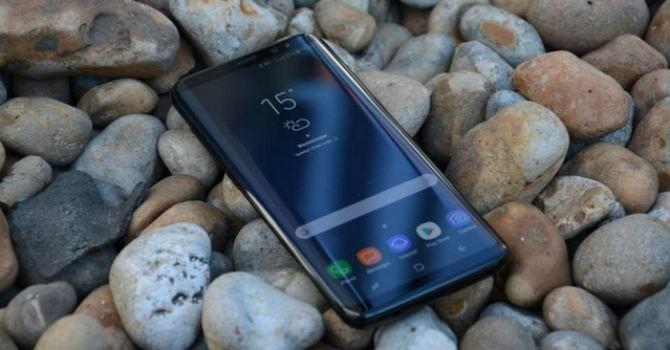 Galaxy S8 dính lỗi lạ: Tin nhắn lúc nhận được, lúc không