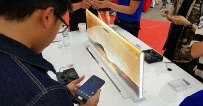 Hơn nửa người Việt vay ngân hàng để mua điện thoại đắt tiền