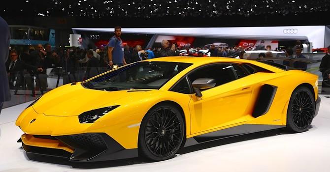 """""""Choáng ngợp"""" với mẫu siêu xe Lamborghini tại triển lãm Thượng Hải 2015"""