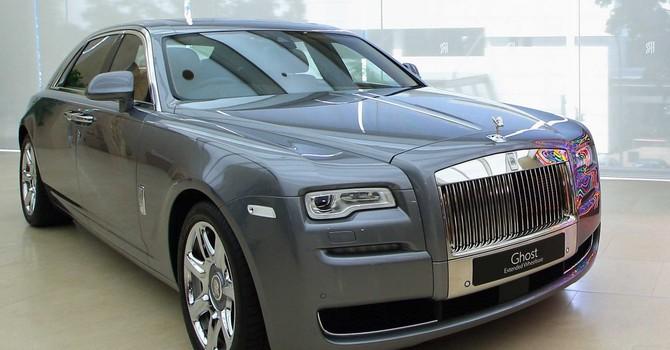 Doanh thu của BMW tăng 14,7% nhờ siêu xe Roll-Royce Ghost