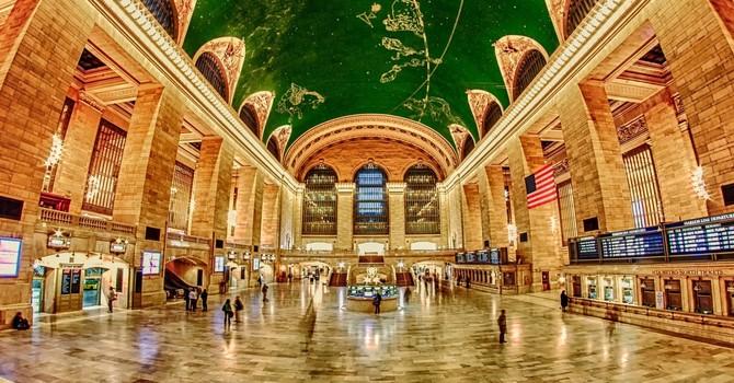 """""""Choáng ngợp"""" với 17 ga tàu điện ngầm đẹp nhất thế giới"""