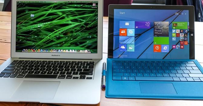 """Microsoft tặng 300USD """"dụ"""" người dùng bỏ MacBook"""