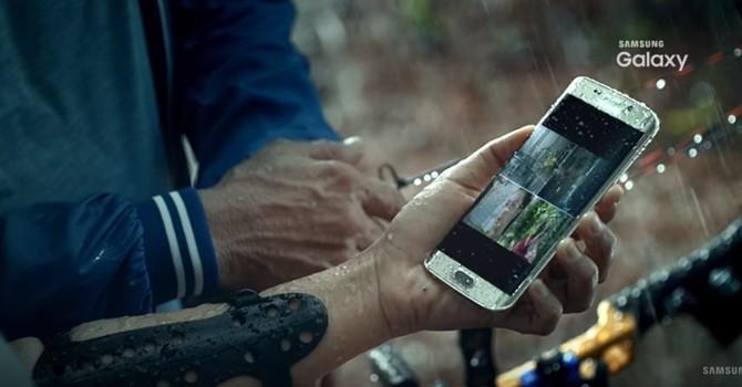 """""""Lộ"""" video Galaxy S7 chống nước trước ngày ra mắt"""
