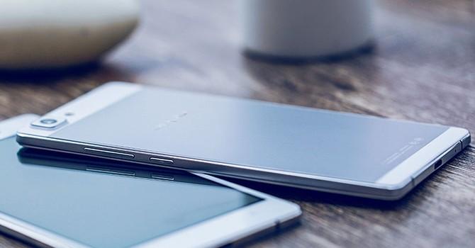 """Oppo R9 """"lộ"""" giá bán 8,3 triệu đồng trước ngày ra mắt"""