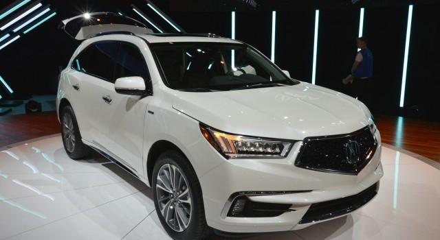[Xế mới trong tuần] Nissan GT-R, Lincoln Navigator, Acura MDX
