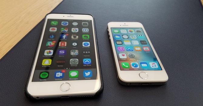 """Apple """"lời"""" thêm 1,9 triệu đồng/chiếc iPhone nếu """"dụ"""" được người dùng mua bản 64GB"""