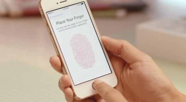 Không mở được iPhone 5S, FBI lại cậy nhờ đến Apple