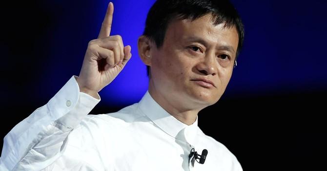 Alibaba đầu tư vào Lazada, người Việt được và mất gì?
