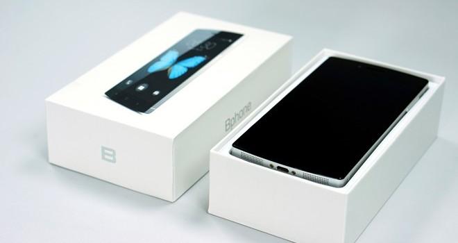 BPhone giảm giá còn 3,9 triệu đồng, vẫn kém hấp dẫn?
