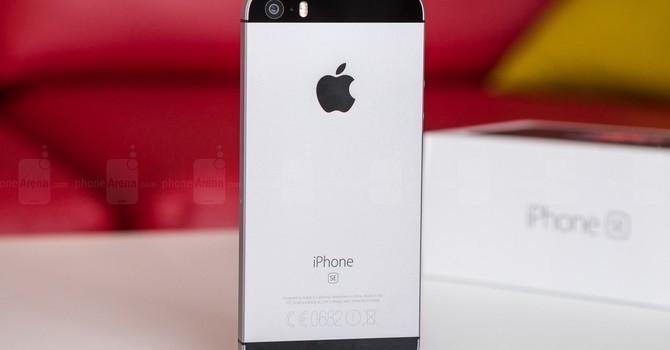 """Quá phụ thuộc vào iPhone sẽ khiến tương lai của Apple """"mờ mịt""""?"""