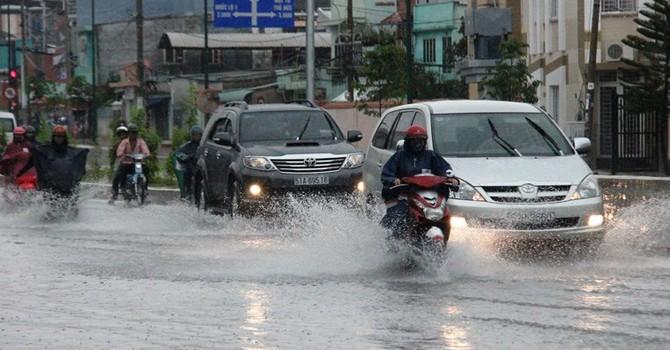 Cơn bão số 6 giật cấp 11 đang tiến về Việt Nam
