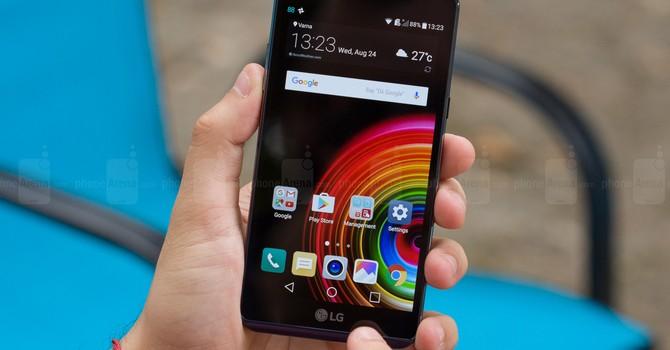Smartphone có thời lượng pin tốt nhất không phải của Apple hay Samsung