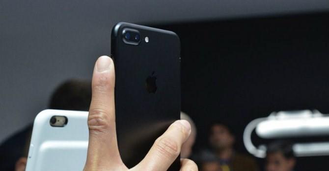 Giá iPhone 7 xách tay giảm đến 5 triệu đồng trong 5 ngày